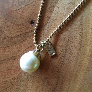 Coach long pearl gold necklace